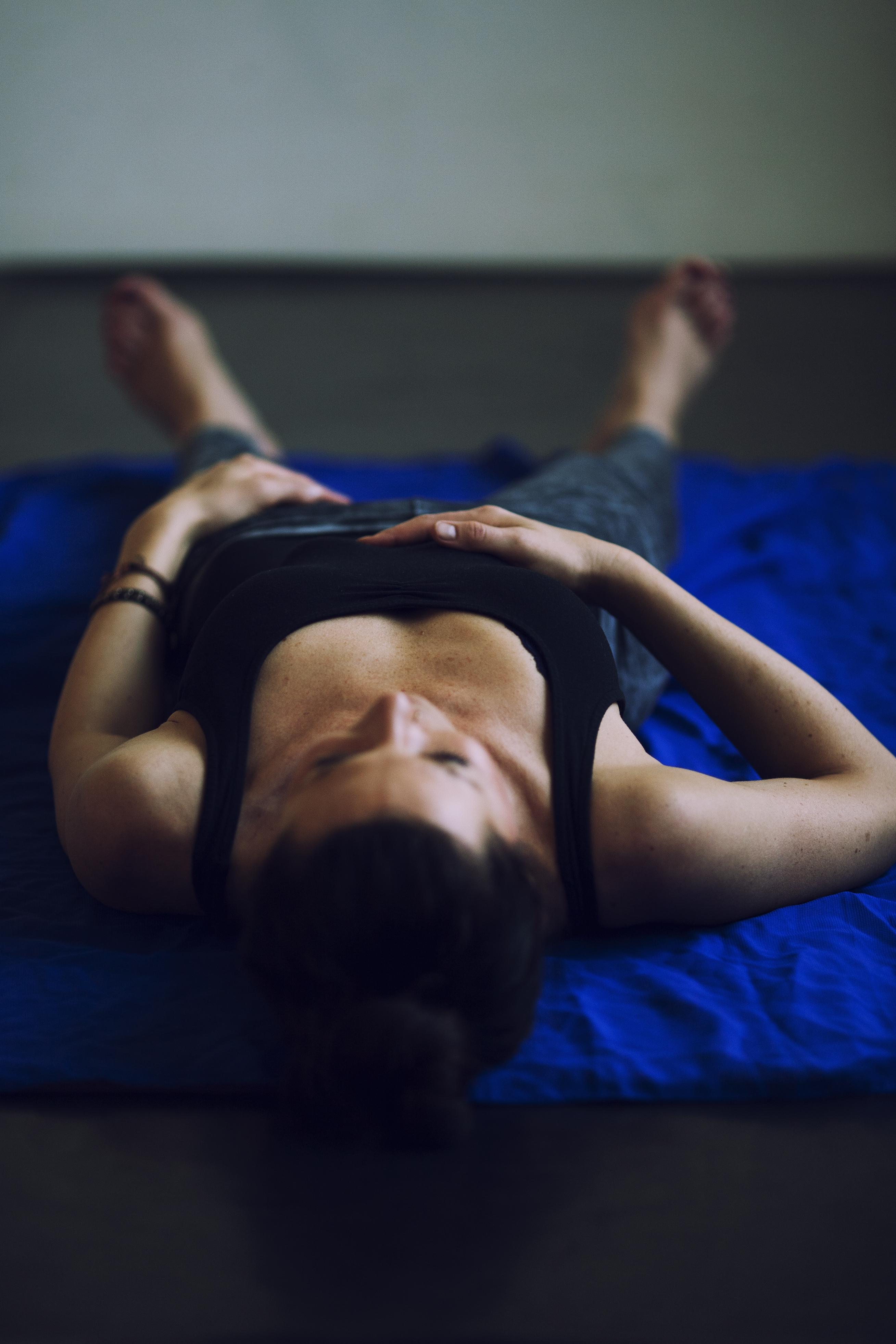 Warum eine Yogapraxis nicht ohne Shavasana auskommt   Mandalay Yoga